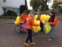 Studentes helpen WeHelpen in Eindhoven